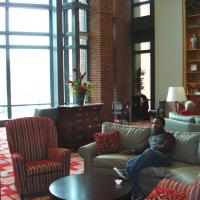 The Ohio Union features 7 student lounges are available for study, group work, and television watching.